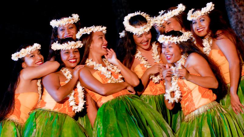 old-lahaina-luau-dancers